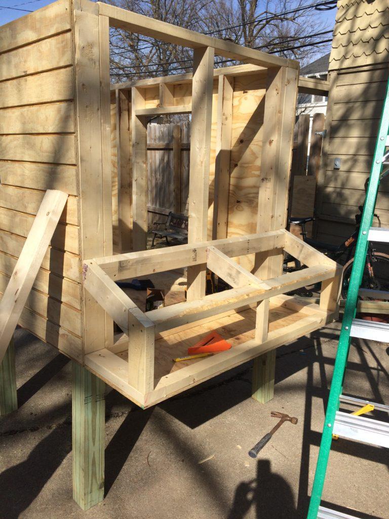 Nest box for chicken coop